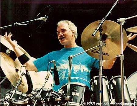 Happy Birthday to the Grateful Dead's Bill Kreutzmann, MA 2017!   https://t.co/6zN0u27BiZ https://t.co/KWNrmTEu3T