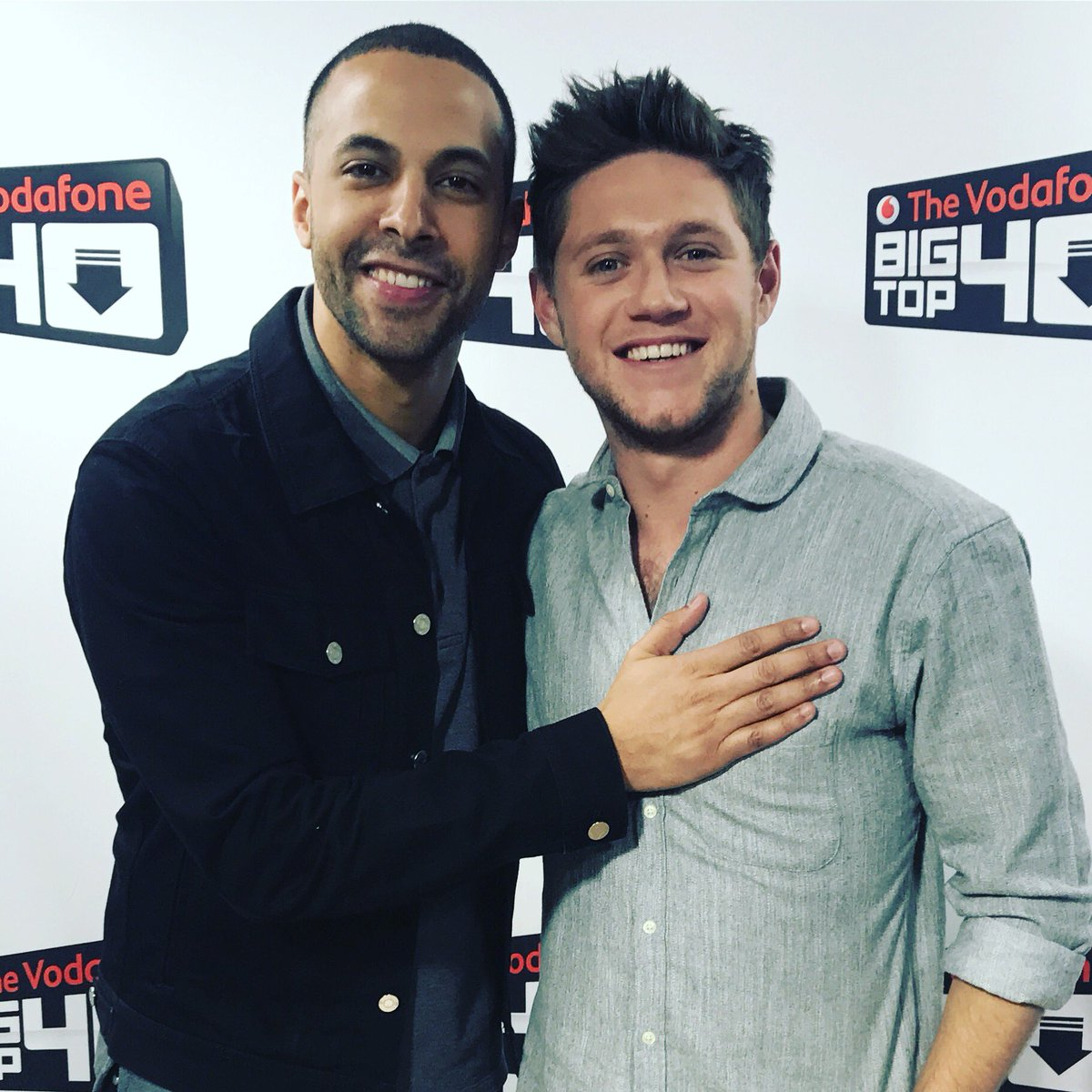 He's got a heart of gold this boy! Great to have @NiallOfficial on the show today! Next week we'll see where #SlowHands charts @BigTop40