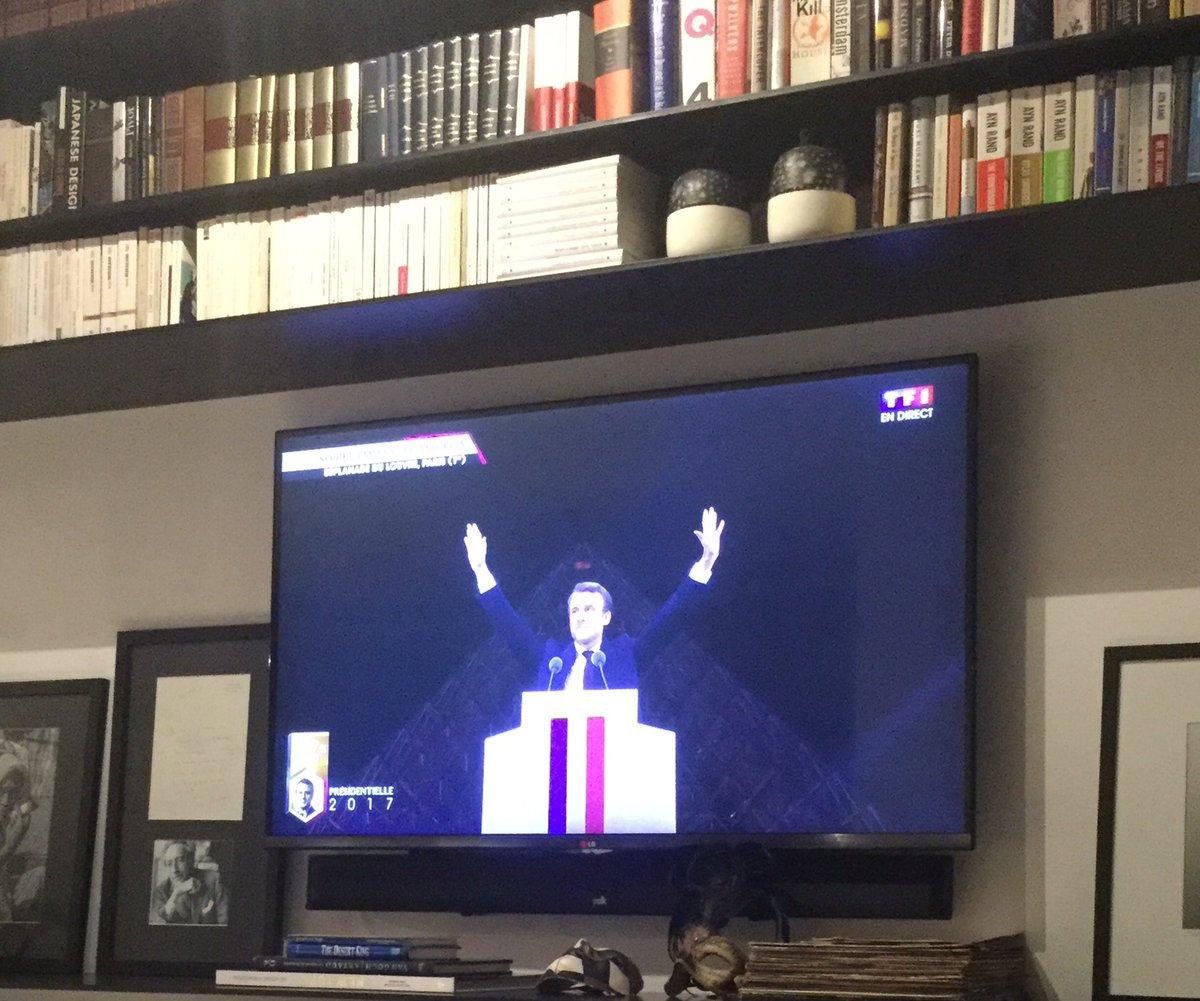 A bunch of bored people found Illuminati symbols in Macron's victory speech