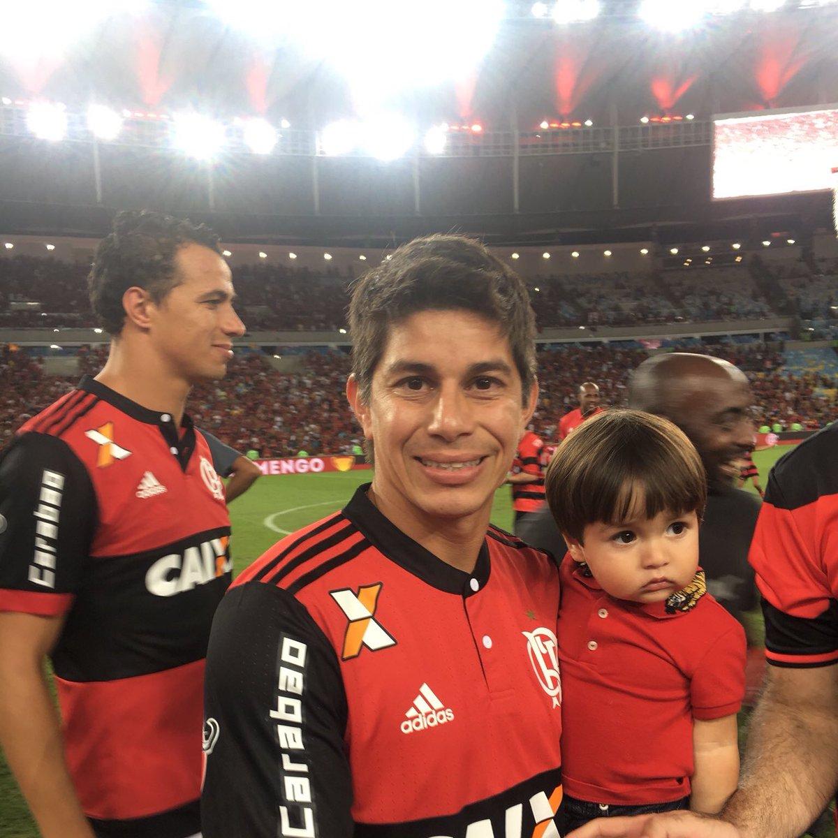 Dario Conca pelo Flamengo   Jogos: 0 Títulos: 1