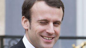 25% d'abstention, 20 millions de voix pour #Macron et moitié moins pour #LePen ! Le coup du vote barrage. #NiPatrieNiPatron ! #21avril2002 pic.twitter.com/2wO4Uzq1by