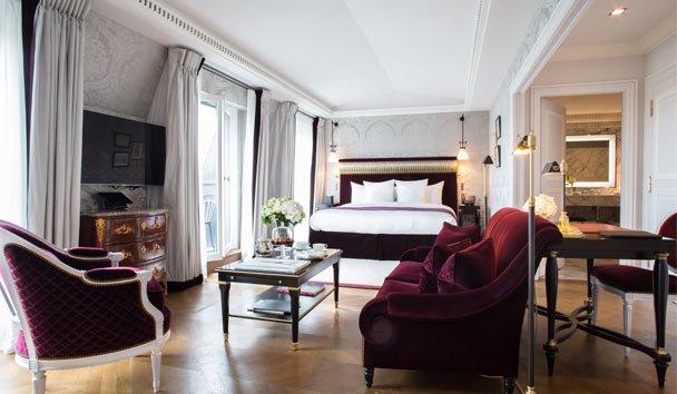 Just a stone's throw from the #Champs-Elysées lies #La Réserve Paris,. Go Paris with the Go Bespoke team.  http://www. gobespoke.net  &nbsp;  <br>http://pic.twitter.com/QOkZyxchNS