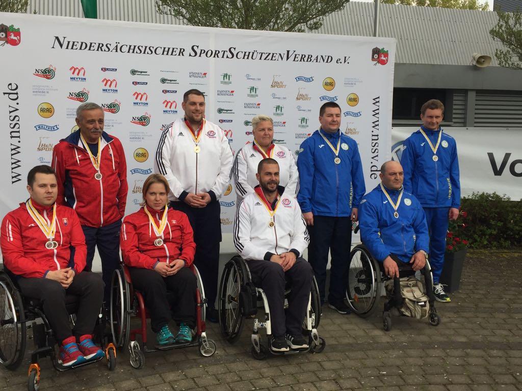 It's a silver 🥈 on his comeback for @mattskelhon at ISCH as GB take team Gold 🇬🇧 https://t.co/2kShrrGd5J https://t.co/RviSO3wvbi