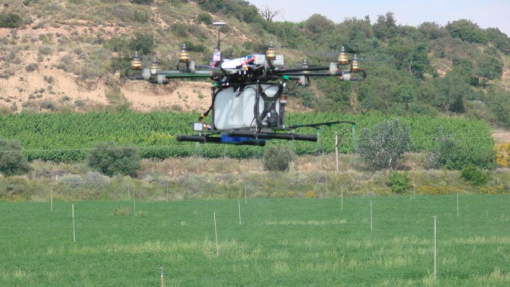 La @gencat llança un programa de formació sobre la tecnologia #dron  https://t.co/bi96T9OK6v #SmartCat https://t.co/gkxry4RhFq