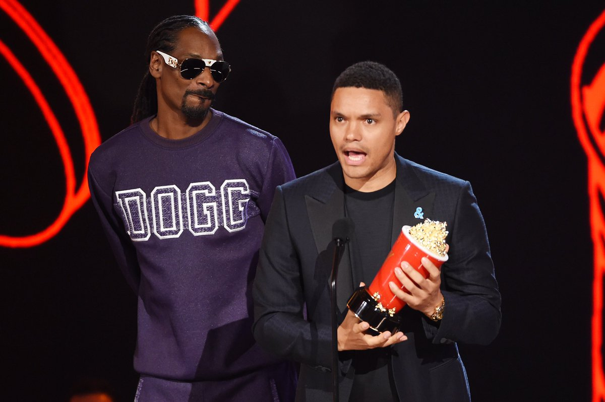 Find you someone who looks at you the way Snoop looked at me after I won. #mtvmovieandtvawards2017