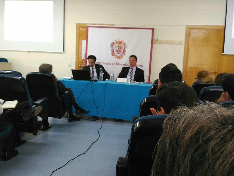 #PreblacMLG @icamalaga  con José María Lopez y @RCanteroLegal .Empieza el debate. https://t.co/hGL3V9sQ4b