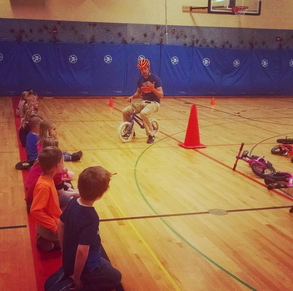 Kicking our week off the awesome way by ripping balance bikes with these Long Lake Elementary preschoolers. #panth…  http:// ift.tt/2pYU0dz  &nbsp;  <br>http://pic.twitter.com/ybqDuLS2NB