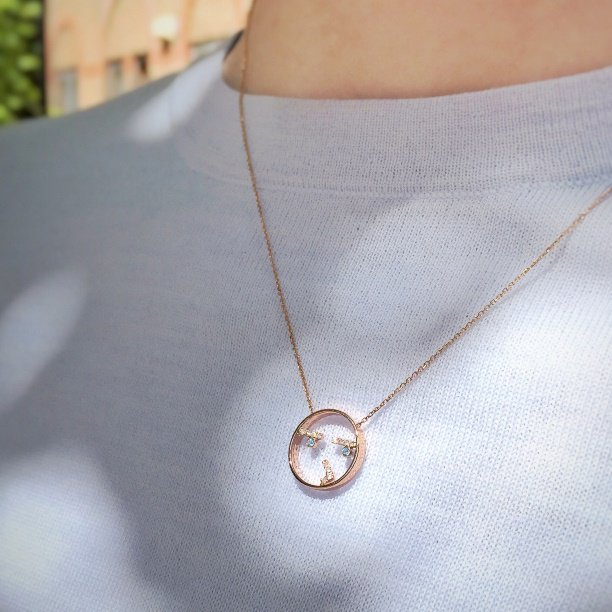 Keeping Curious in style! #pendant #moyen #curious #ootd #Mondays #mondaymotivation<br>http://pic.twitter.com/T0RCKqPYLm