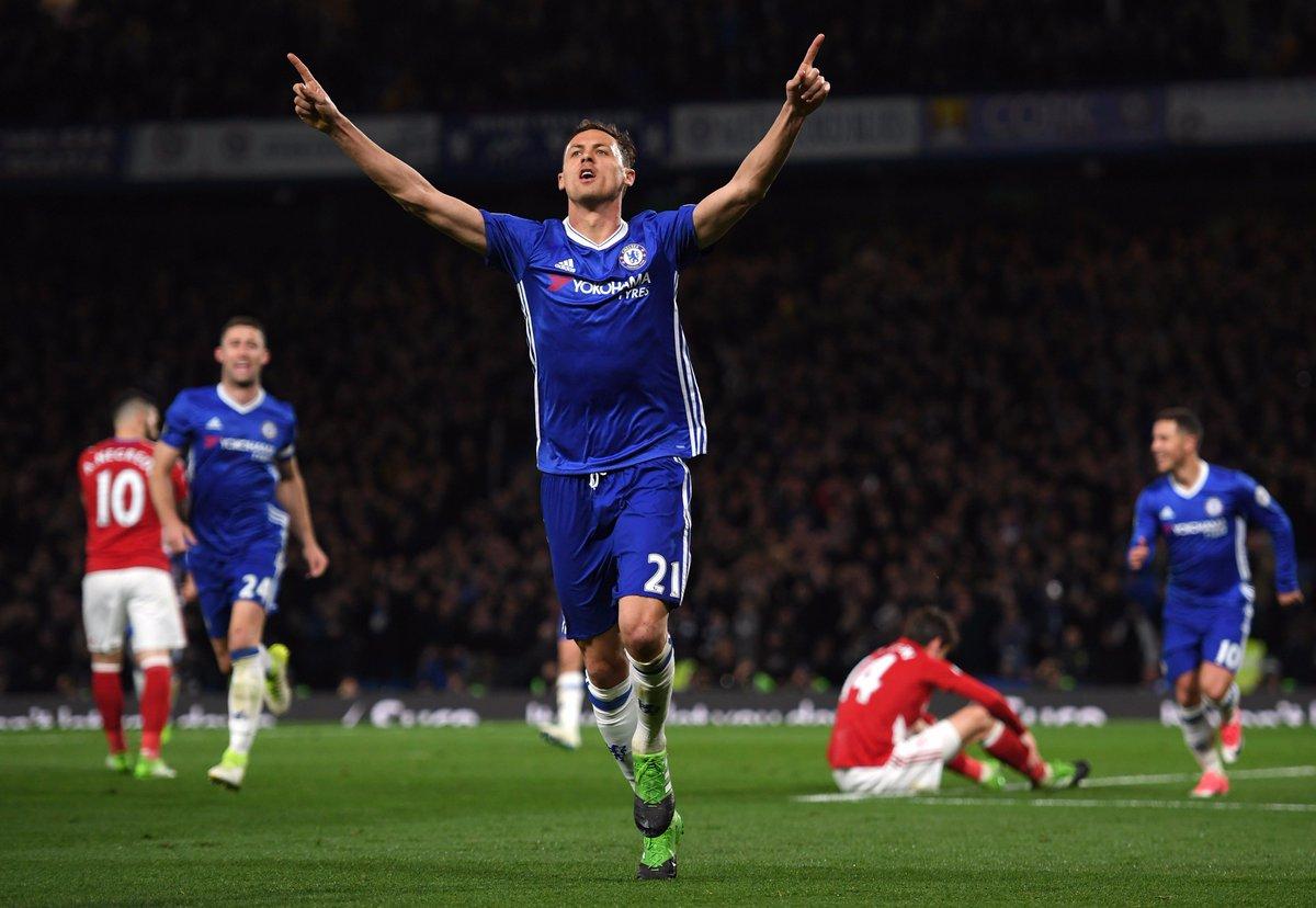 El Chelsea acaricia el título tras vencer a un Middlesbrough (3-0) que firma el descenso