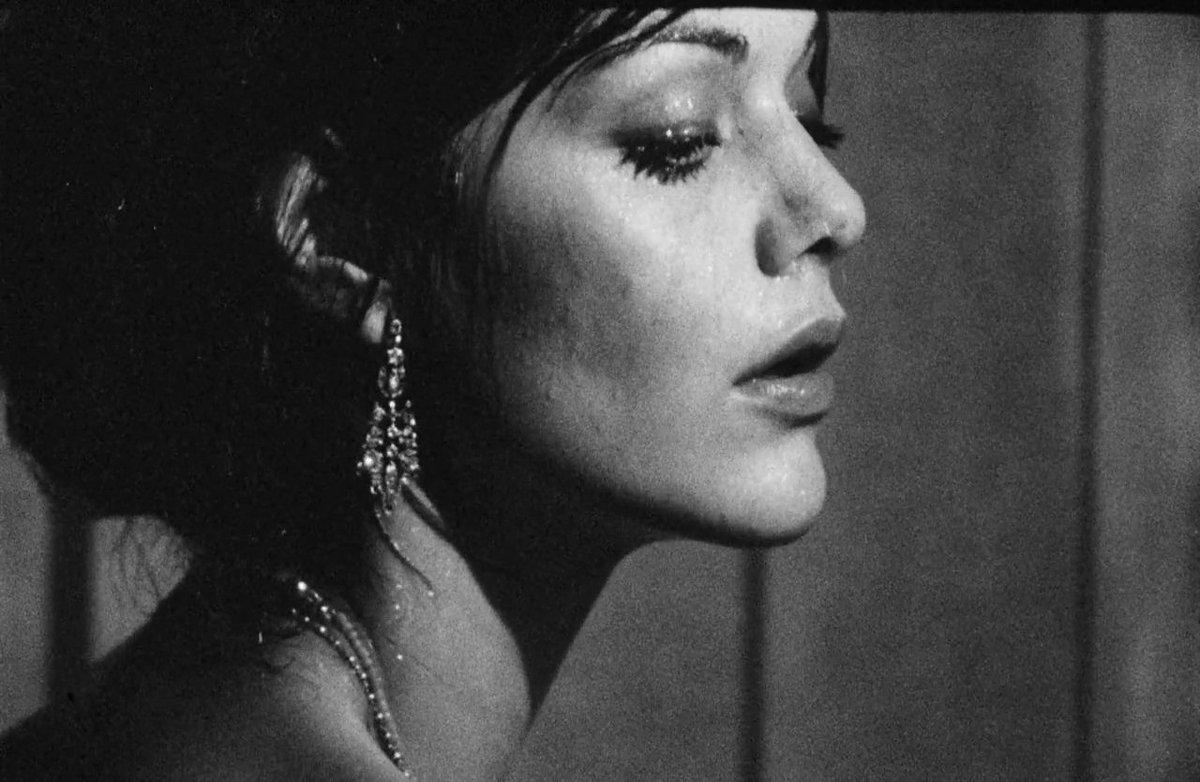 Tina Aumont Nude Photos 53