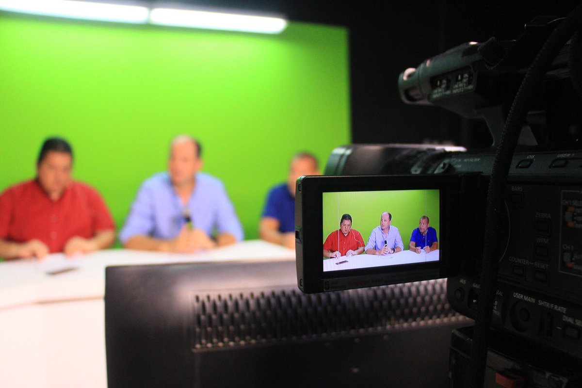 En segundos estaremos en dierecto en #PeriodismoAlDía con @Tonsanjr y @NoticiasGs por @TV5Monteria.