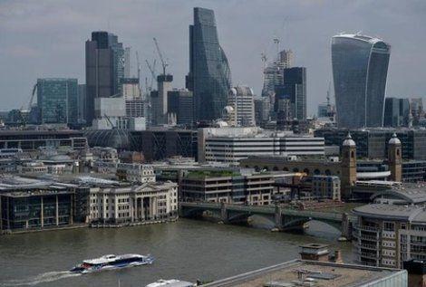 大手銀によるロンドンから欧州への移転、合計9000人規模に https://t.co/A8AwrZVCBb #ロンドン #銀行