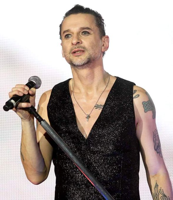 Happy 55th bday to Dave Gahan!