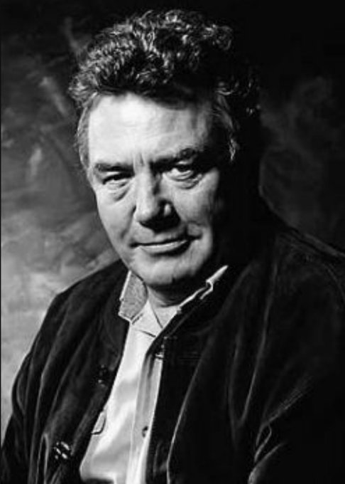 A massive Happy 81st Birthday to the amazing Albert Finney!