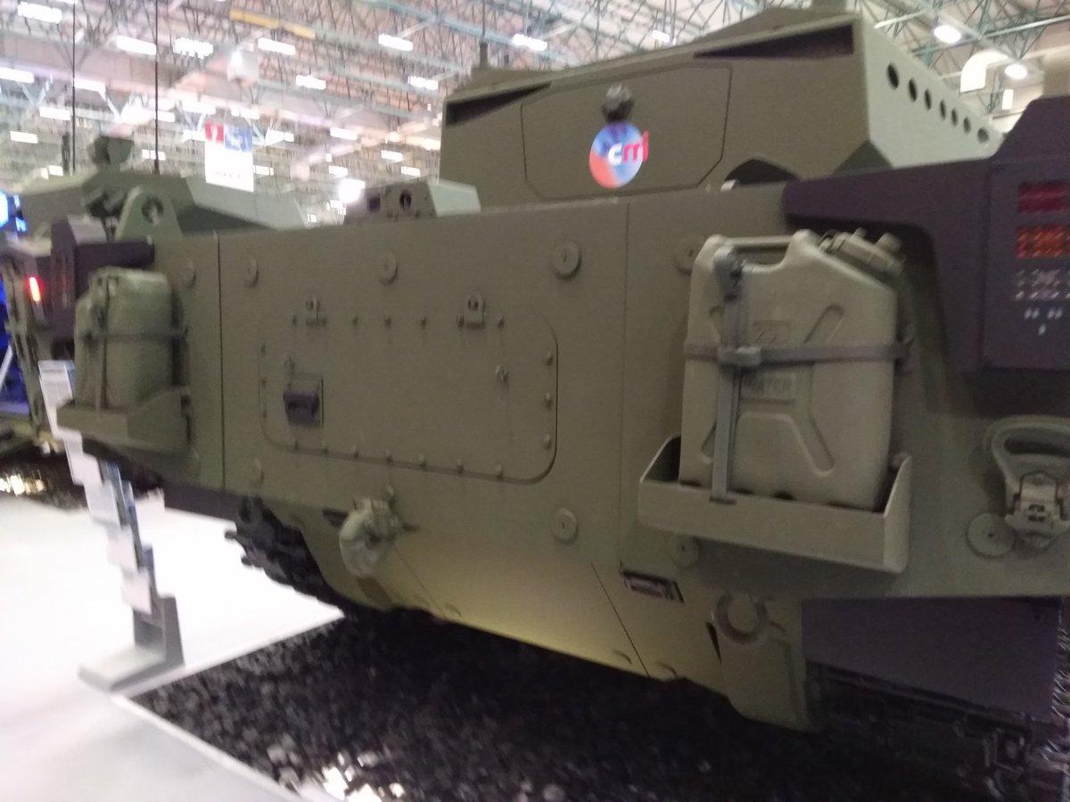 تركيا تكشف عن الدبابه Kaplan MT لأول مرة خلال معرض إسطنبول للصناعات الدفاعية C_XkU7cXkAAFue0