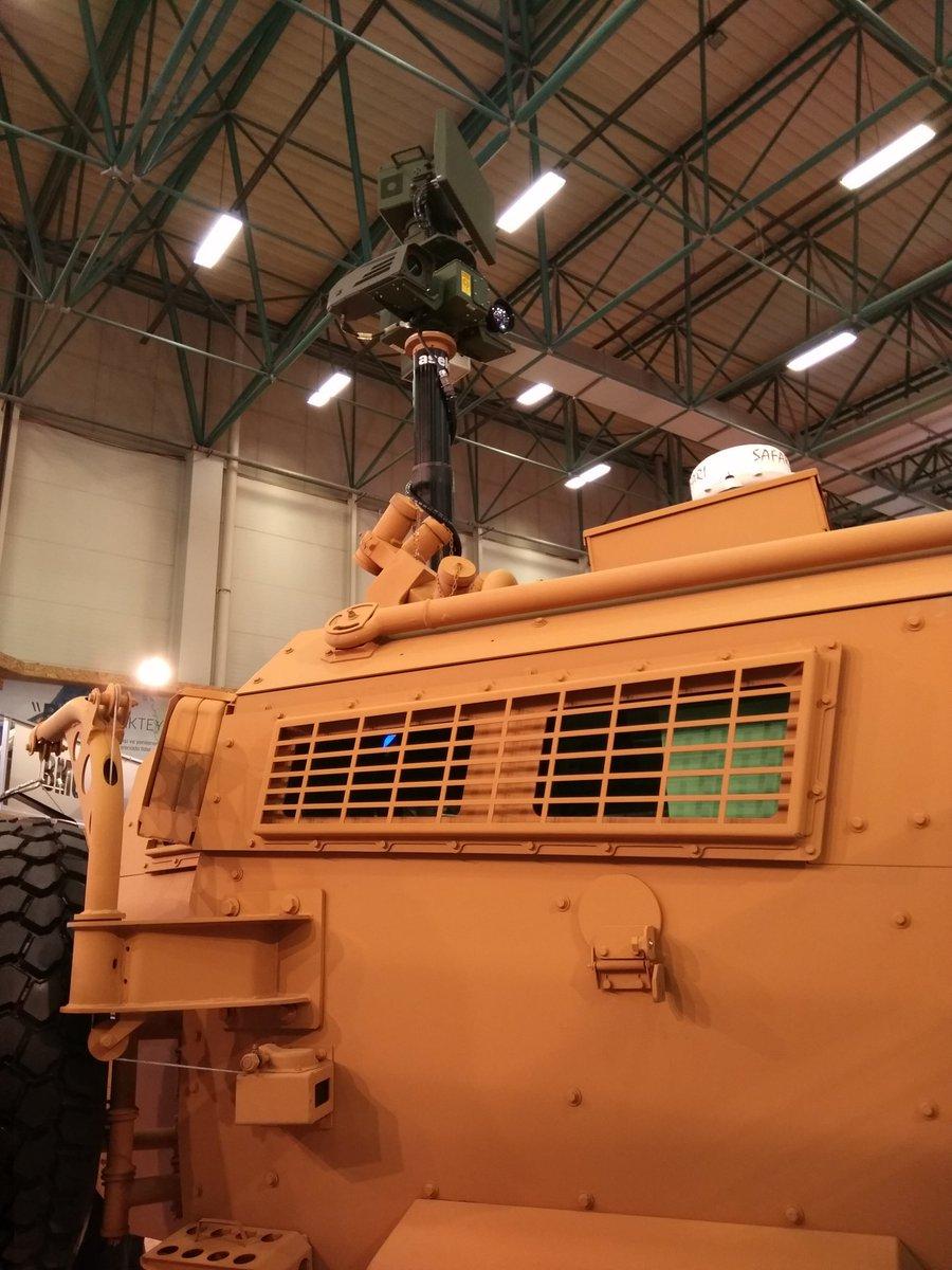 """شركة تركية لتصنيع الأسلحة تطرح عربة مصفحة جديدة في معرض """"الصناعات الدفاعية بإسطنبول"""" C_XurCgW0AEFVKs"""