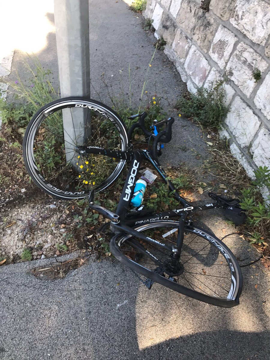 Just got rammed on purpose by an impatient driver who followed me onto the pavement! Thankfully I'm okay 🙏 Bike totaled. Driver kept going!