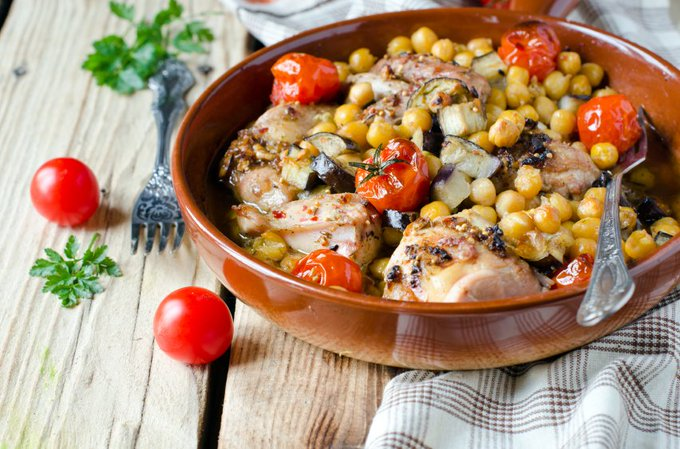 Slimming World Slow Cooked Mediterranean Chicken Bake