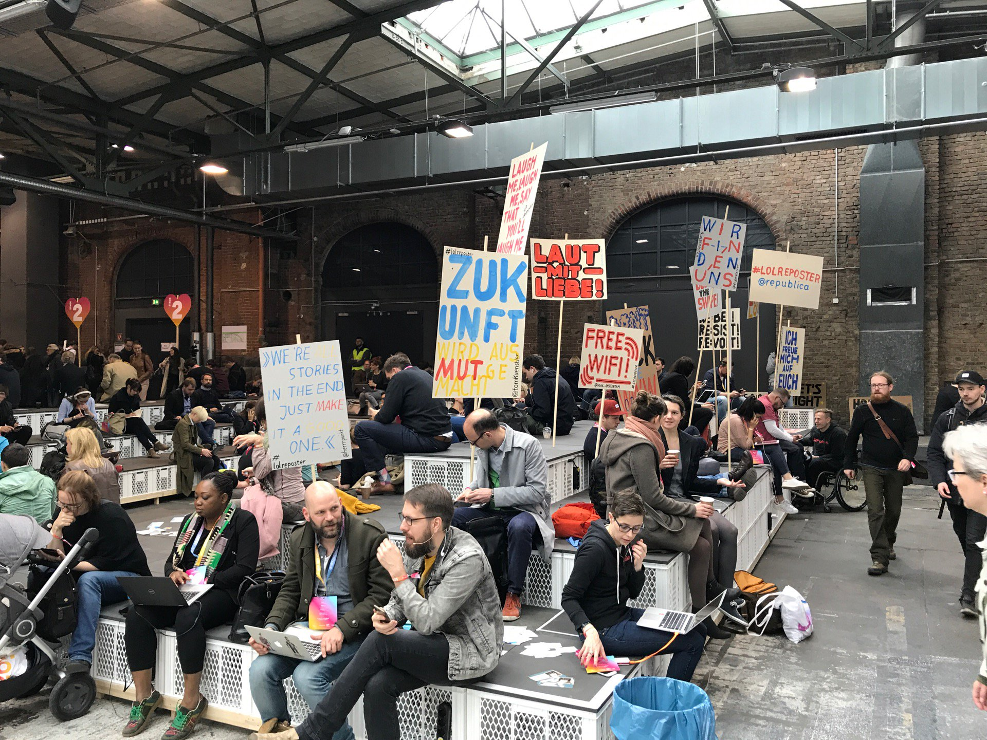 Checked in #rp17 #berlindwm (@ STATION-Berlin in Berlin w/ @lukizzl) https://t.co/yMA7NgyIId https://t.co/oGBpFXxXsA