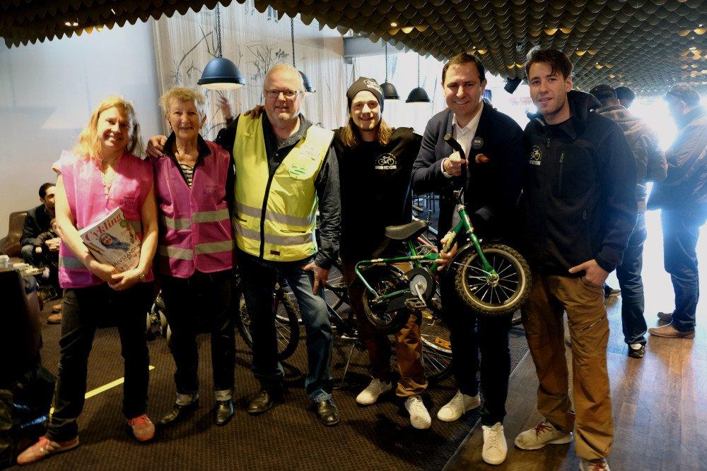 Generösa Stockholmare skänkte cyklar till nyanlända svenskar på @Clarionsthlms... https://t.co/WtmLzvJ8j9 https://t.co/ukURvuodXT