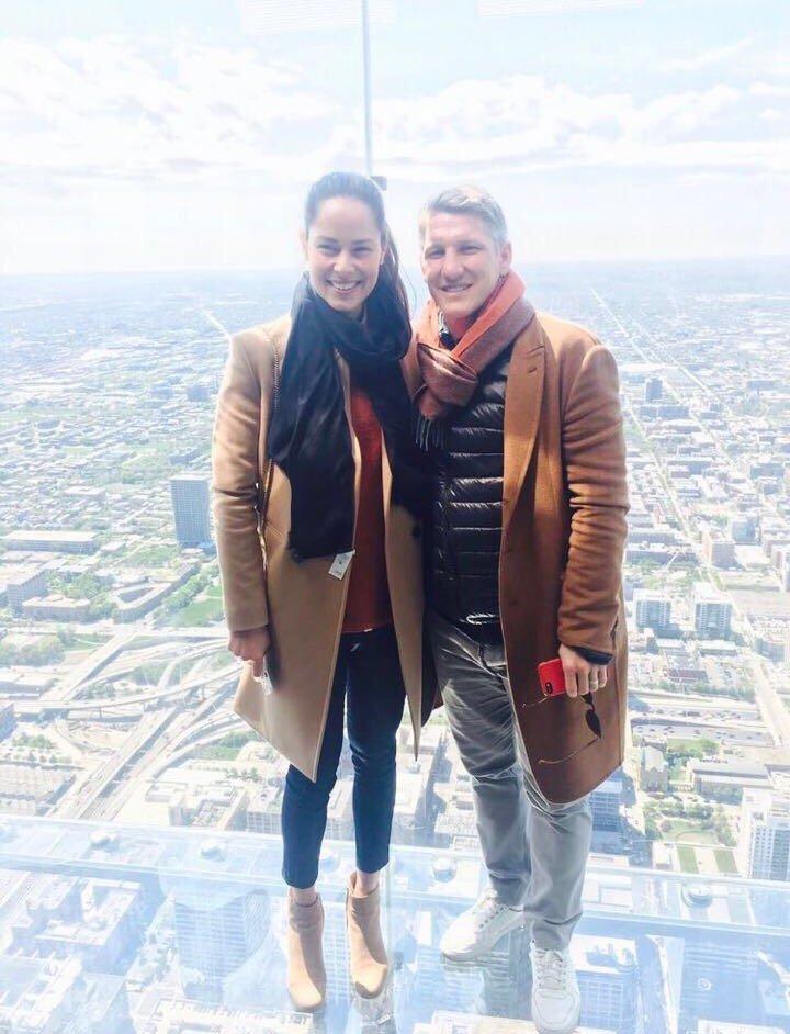 ¿Cuánto mide Bastian Schweinsteiger? - Real height C_YxP7SXgAAHoXC