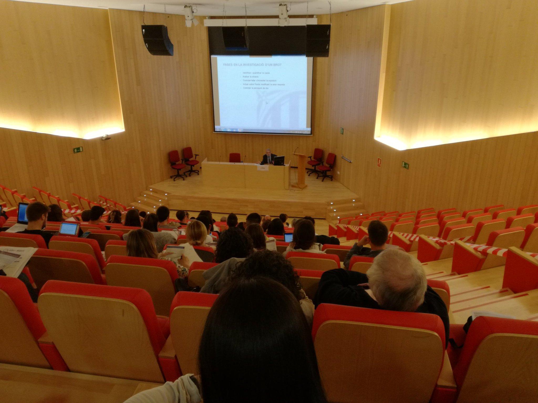 El Dr. Joan Guix primer ponent a la #jornadasalutmitjansreus https://t.co/3ZfEThHKmZ