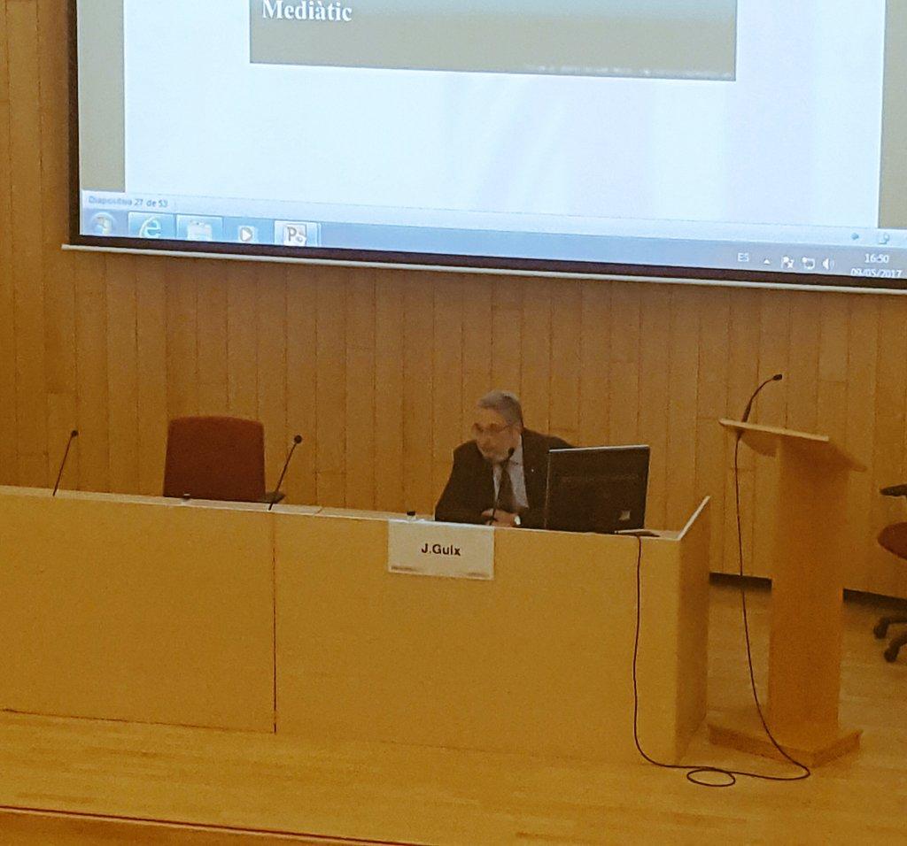 Com és la #comunicacio de risc i de crisi en el cas de la #salut pública? @Jguixoliver respon a #JornadaSalutMitjansReus https://t.co/xeXA8rwHGr
