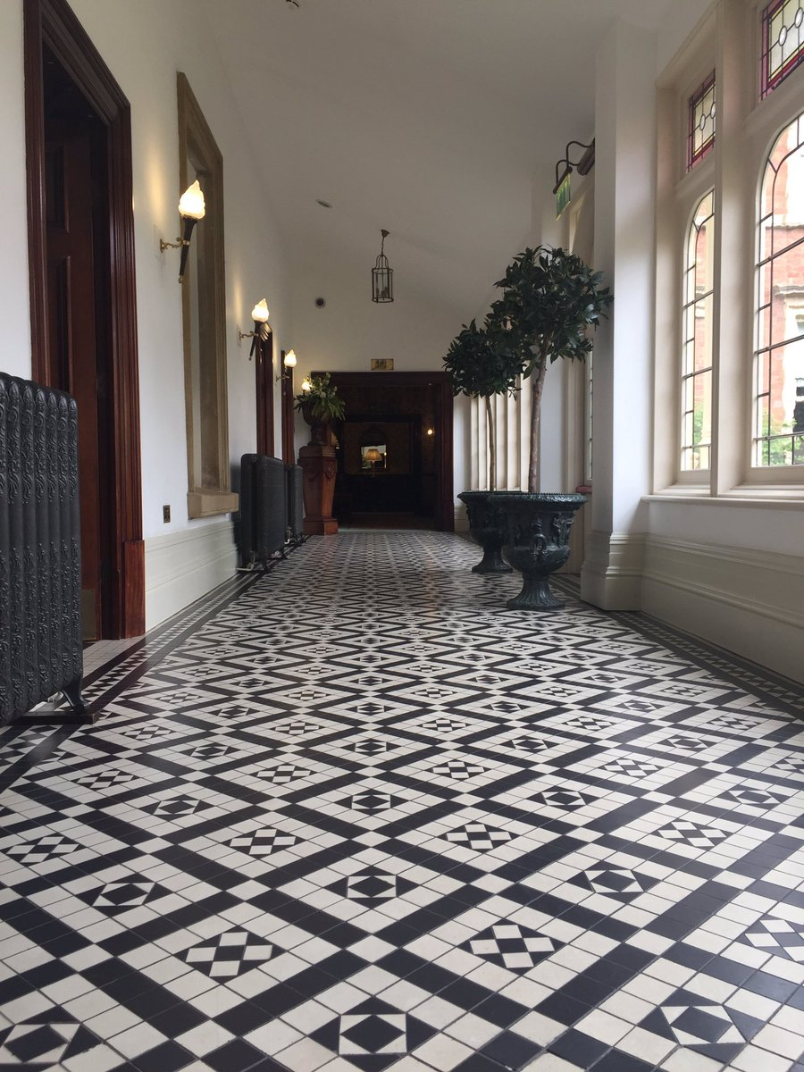Discount ceramics dcleicester twitter admiring kilworthhouse and their dreamy hallways dcl tiles leicester tile decor inspiration tiletuesdaypicitterlhddnsrghd dailygadgetfo Images