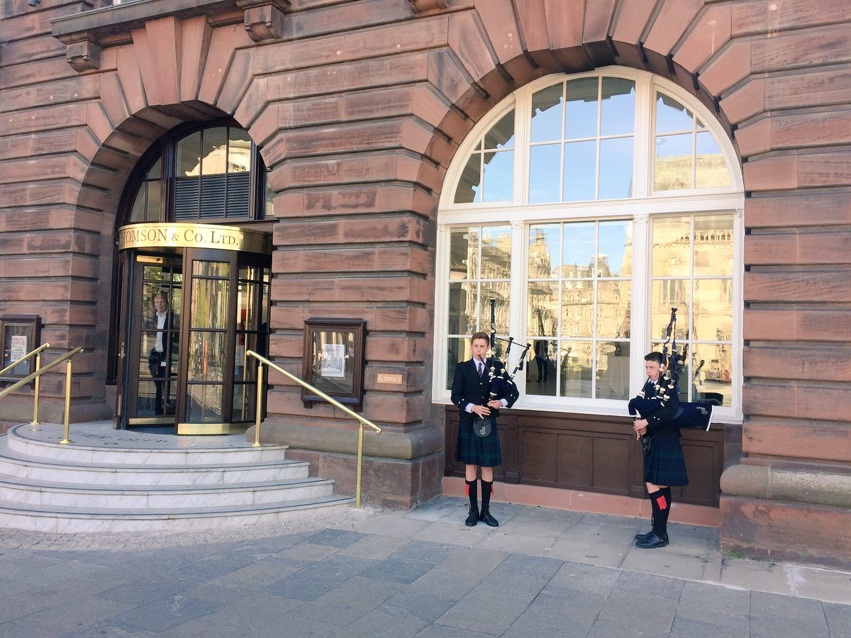 We're officially opening our #Meadowside headquarters with pipers from @HSofDundee https://t.co/7lgoWDyXhK