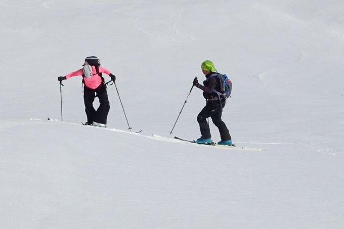 Con la temporada de esquí cerrarda en @AramonCerler , Carme se resiste a dejar los esquís ⛷️😜 [REPORT📷]➡️https://t.co/sYUBHljj3i