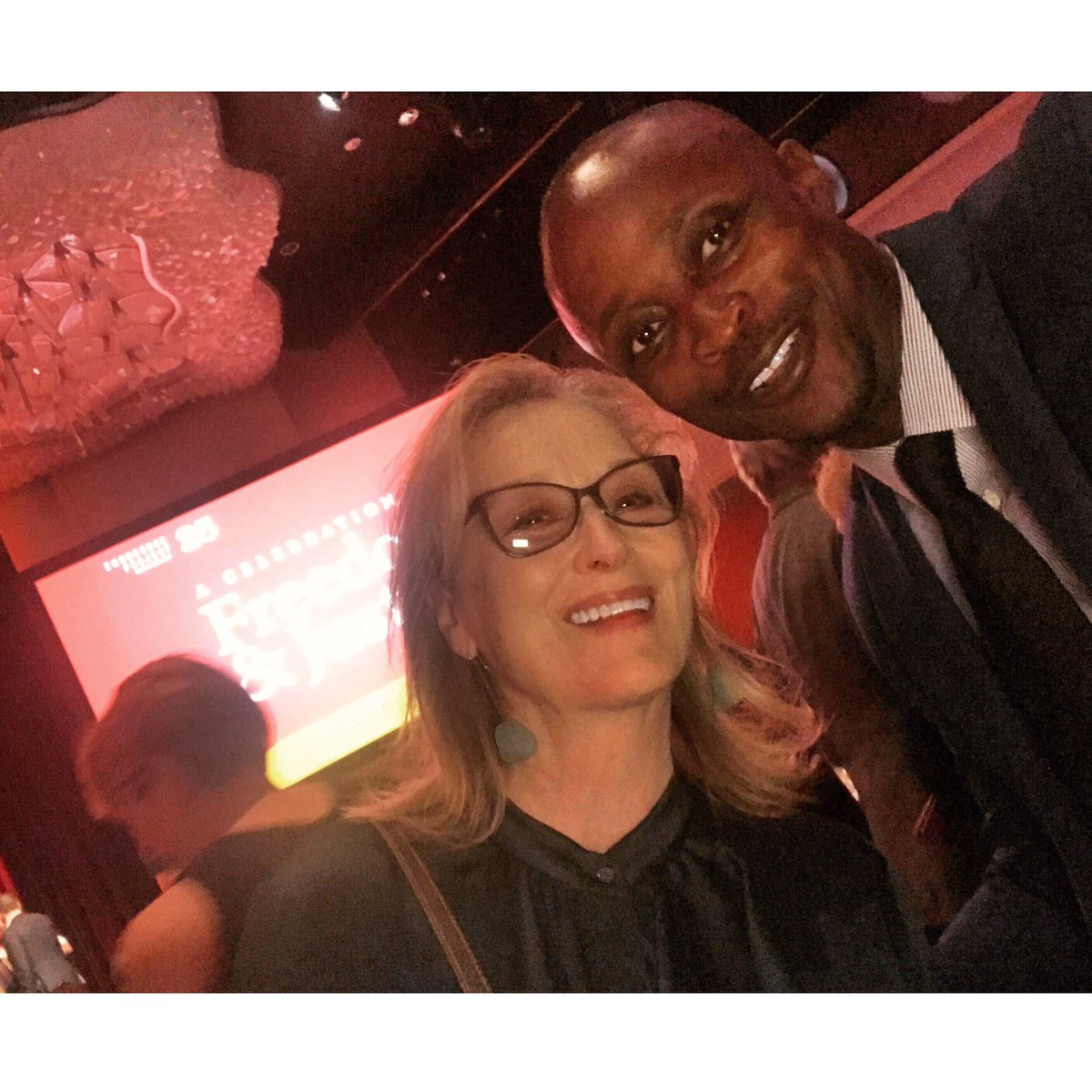 It's official...We are an item! #MerylStreep and I at the @innocence gala. #IPGALA2017 #FreedomAndJustice #25Anniversarypic.twitter.com/WGutdQyxoX