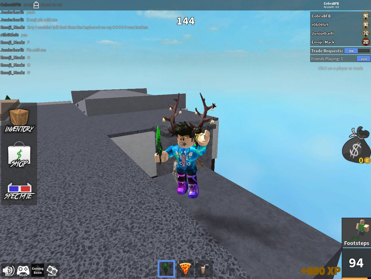 Zyleak Quinn On Twitter Found A Glitch In Mm2 Report It To Me