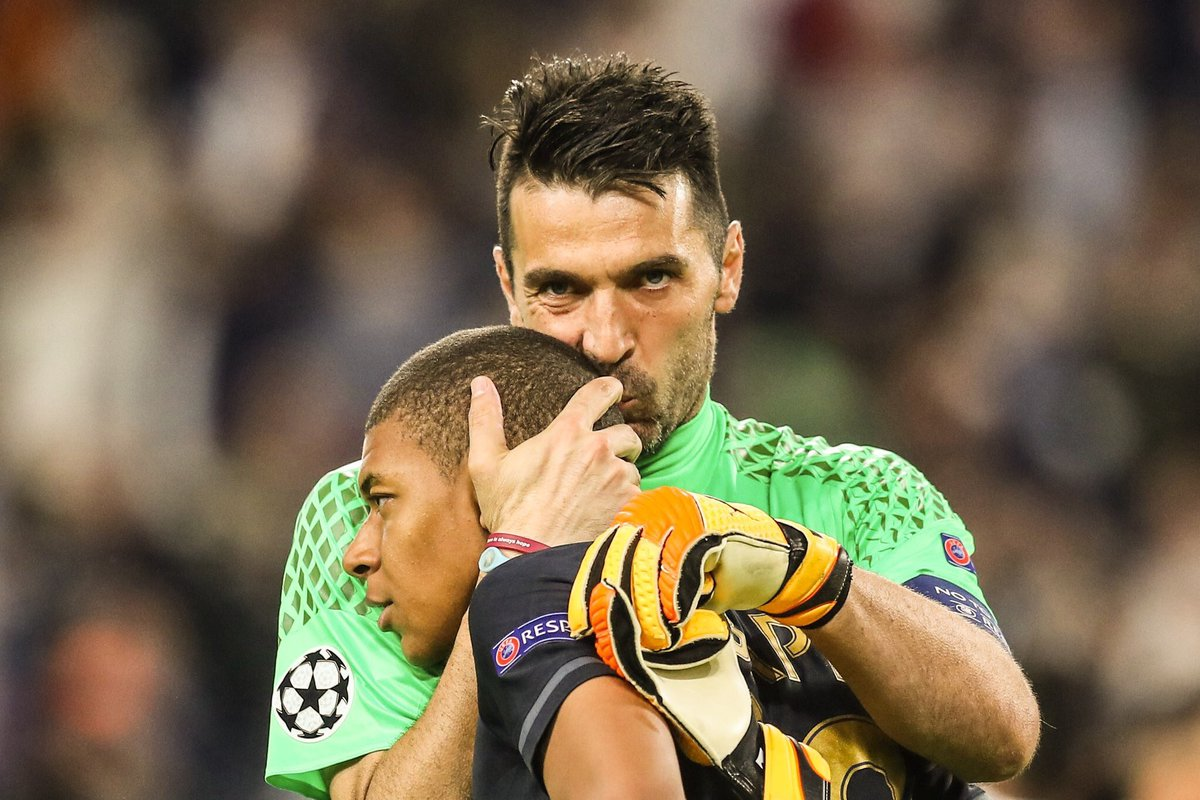 IMAGE de la ldc magnifique, Pic of the Champions leage awesome. #JuveASM #ASMJUV #LDC #juventusFC #asm #football #soccer #futbol #semifinal<br>http://pic.twitter.com/f7THNqjbyU