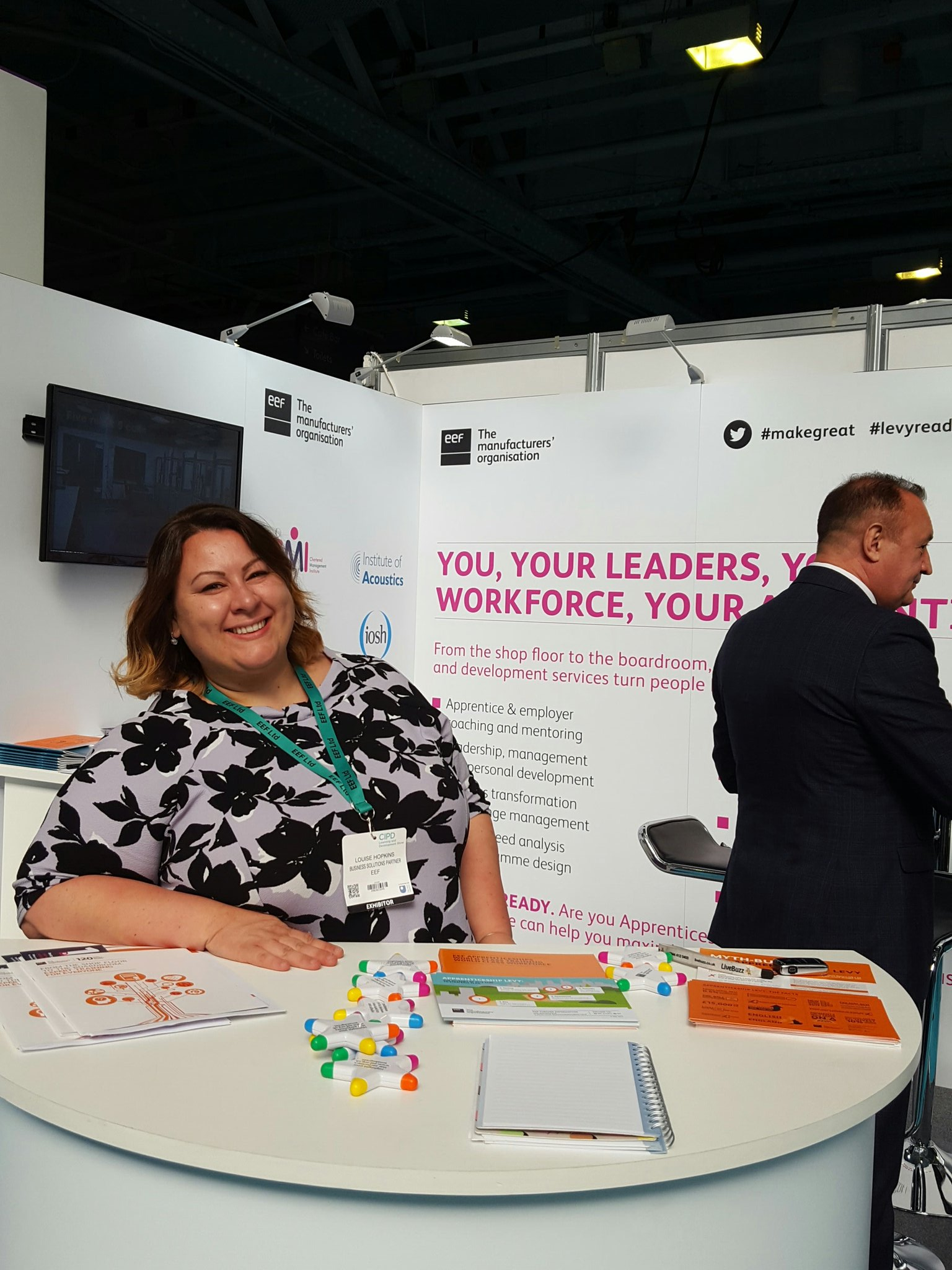 Visit stand 370 @EEF_Insights learn about the apprenticeship levy discounts on training available #makegreat #cipdldshow https://t.co/o6b4cC4TS6