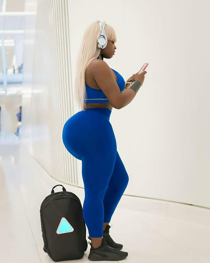 Social Media Is Blowing Up Over The Pawg Working For Giants