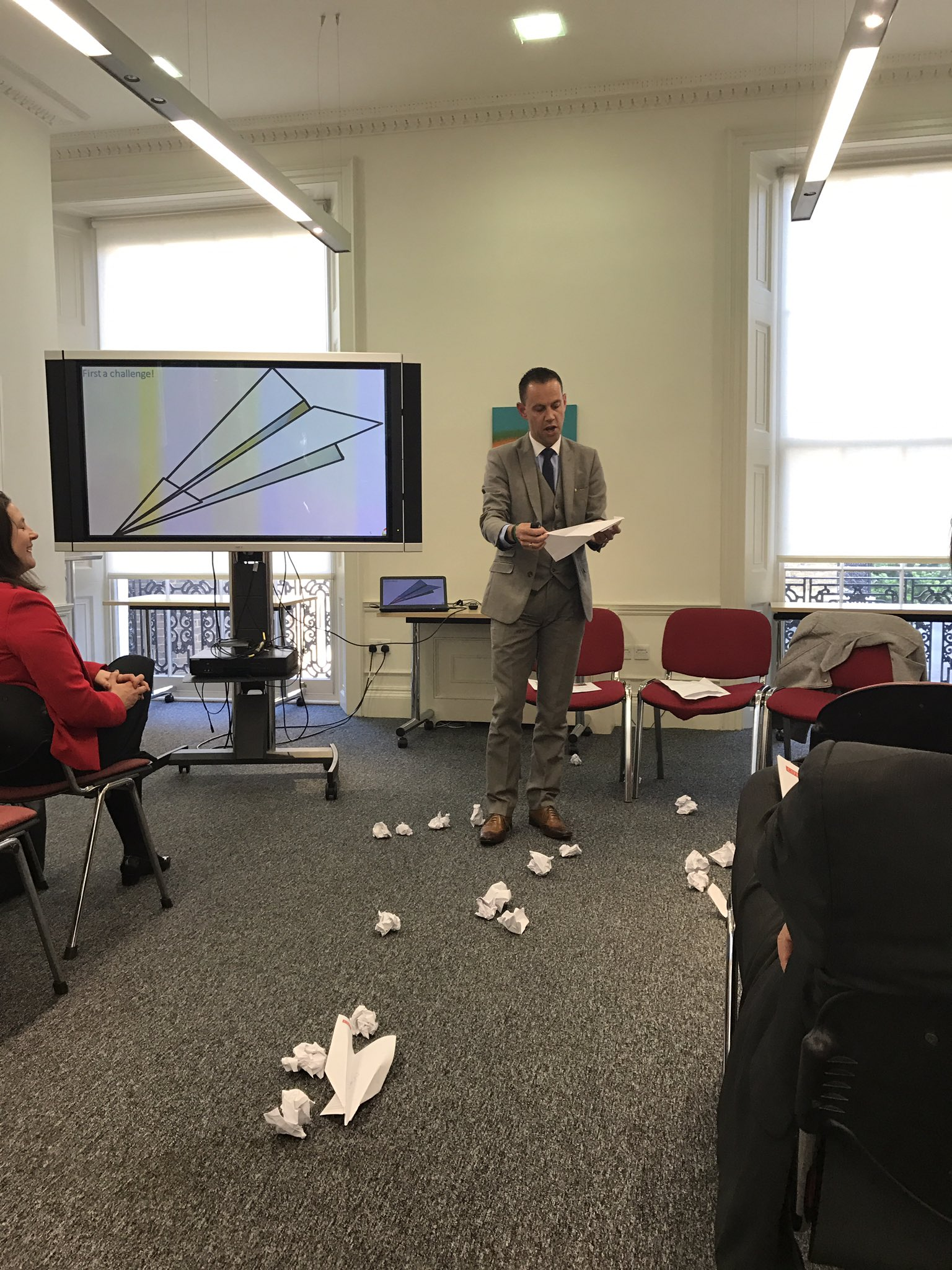 . @colinminto kicking off with an interactive task! Audience asked to jot down words associated with mental health (and throw them) #CIPRMH https://t.co/TEBErET8SC