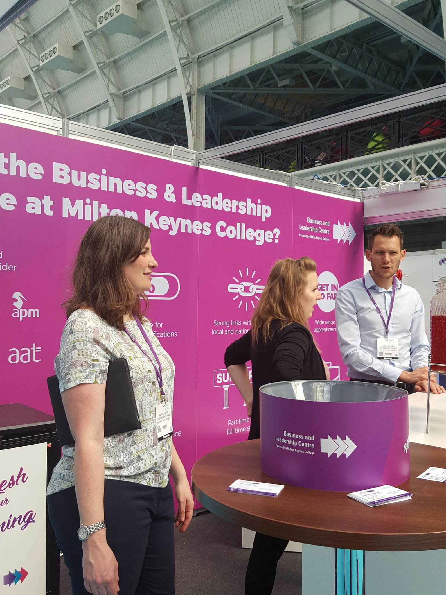 @MKCollege come speak to some lovely knowledable folk who know about apprenticeship and juice... #cipdldshow https://t.co/nxHkUndS5v