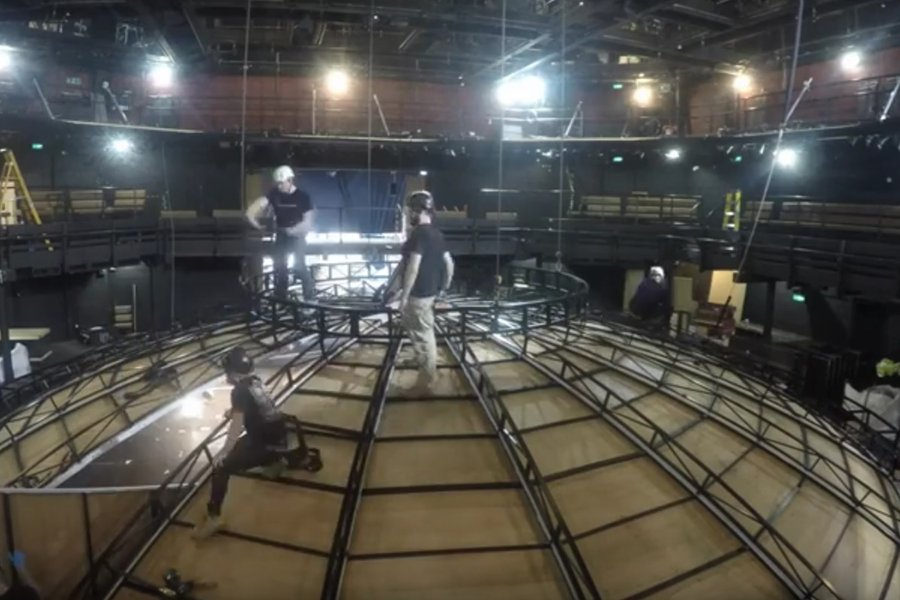 See the @youngvictheatre auditorium transformed like never before with this video of the #LifeOfGalileo set build!:  http:// bit.ly/2pkAhrw  &nbsp;  <br>http://pic.twitter.com/jc78b9geqU
