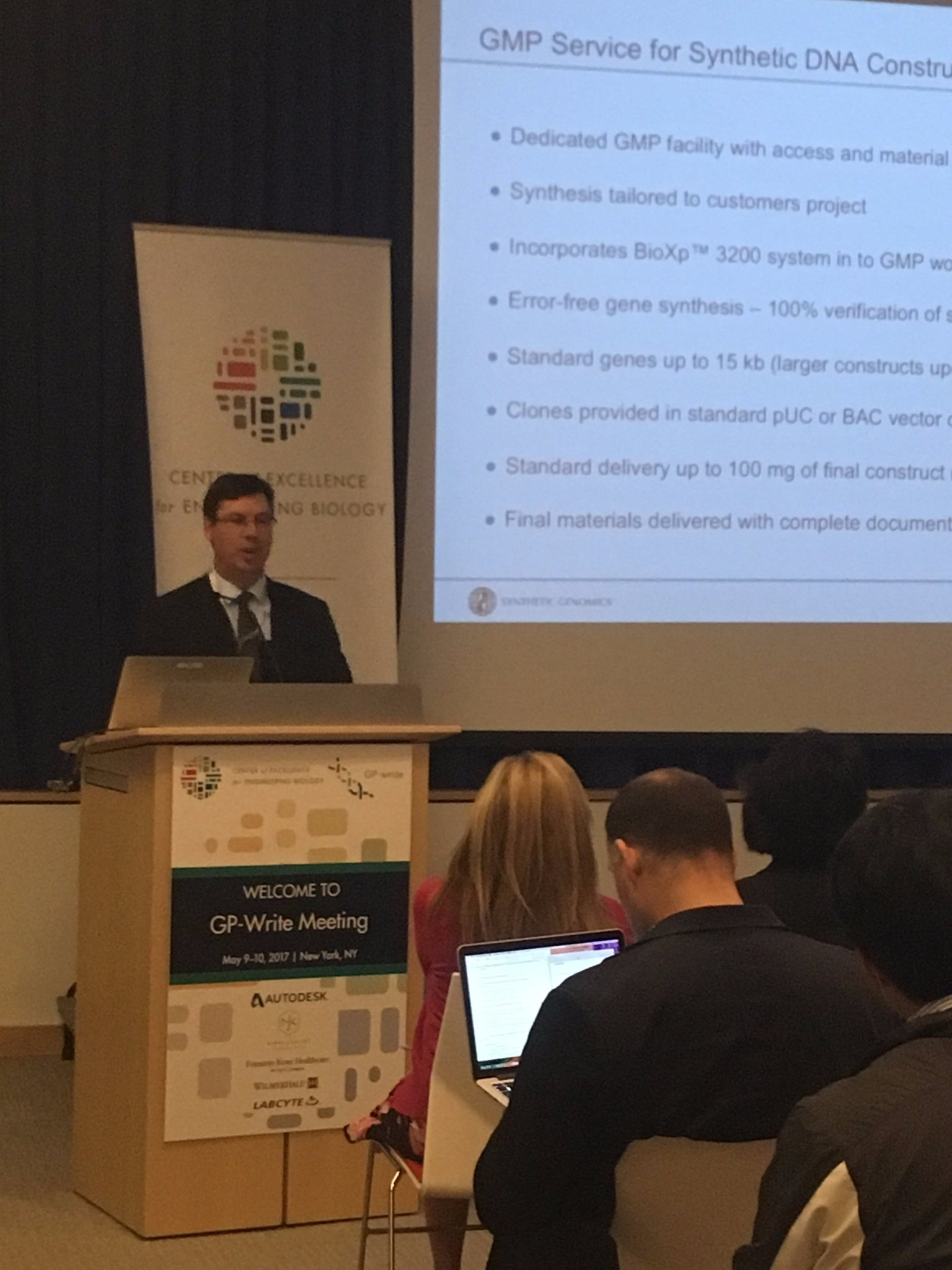 Nathan Wood of @sgi_dna presenting on trends in writing data. #GPwrite https://t.co/daljbQY7Na