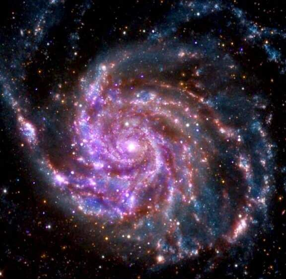 M101. Spiral galaxy. 70% larger than our Milky Way and 21 million light years from Earth. #astronomy #MessierCatalog https://t.co/gJHtIB8ctz