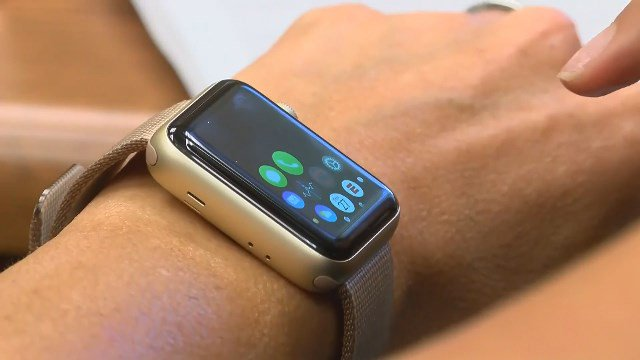 A warning for apple watch users tonight  at 10:11, hear from