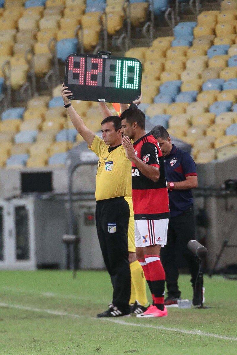 É muito bom te ver de volta! Recuperado, @ederson10_fut entrou no segundo tempo do empate de hoje.