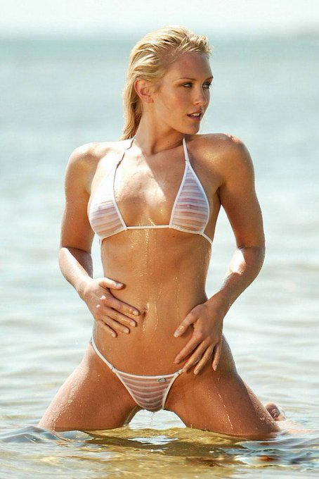 Happy Birthday Nicky Whelan. Looking as good as ever