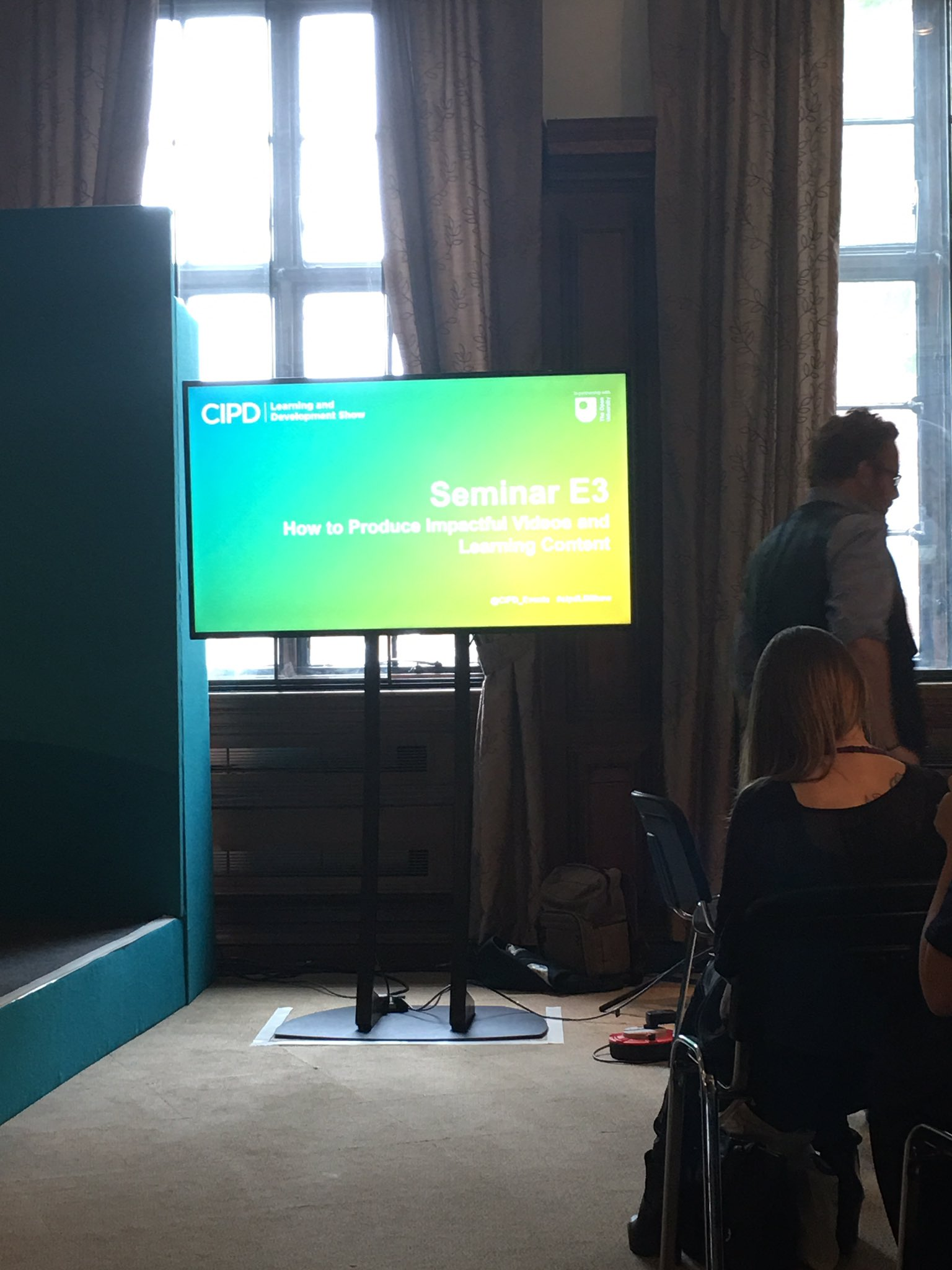 Prev stats to quash that #videos can't play a part in #learning ecosystem. @SeeLearning now on hand with a practical guide #cipdldshow #E3 https://t.co/6iryCwhpkw
