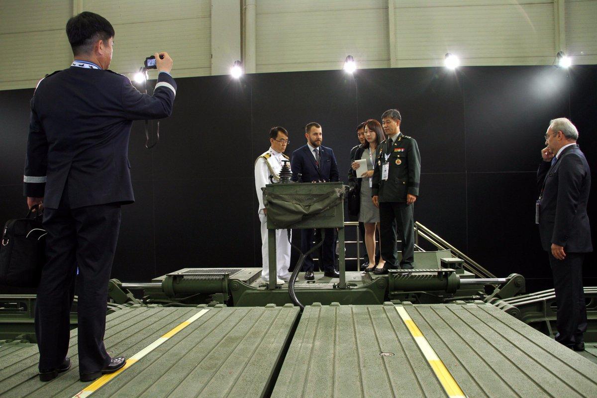 معرض الصناعات الدفاعية الدولي IDEF-17 ينطلق في إسطنبول.....تغطيه مصوره  - صفحة 2 C_iP-SXXUAAICAf