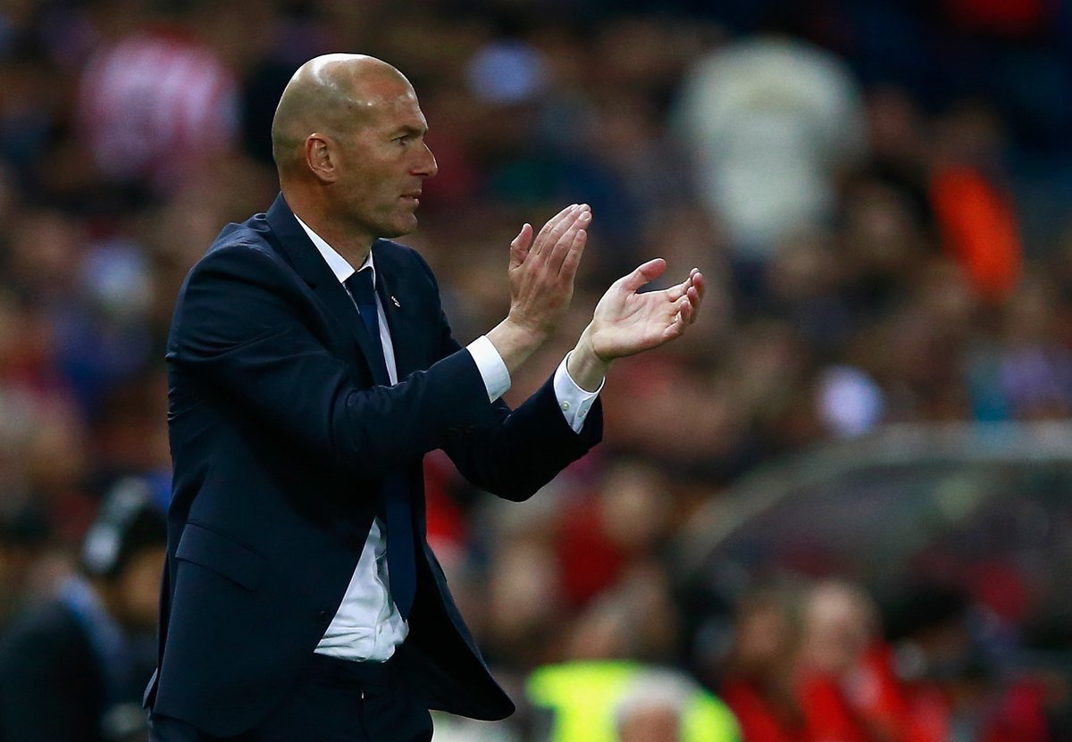 1 - Zidane is the first manager since Sir Alex Ferguson to reach 2 back-to-back Champions League finals. #UCL #UCLfinal #ATMRMA <br>http://pic.twitter.com/sS7Nlbgmw7