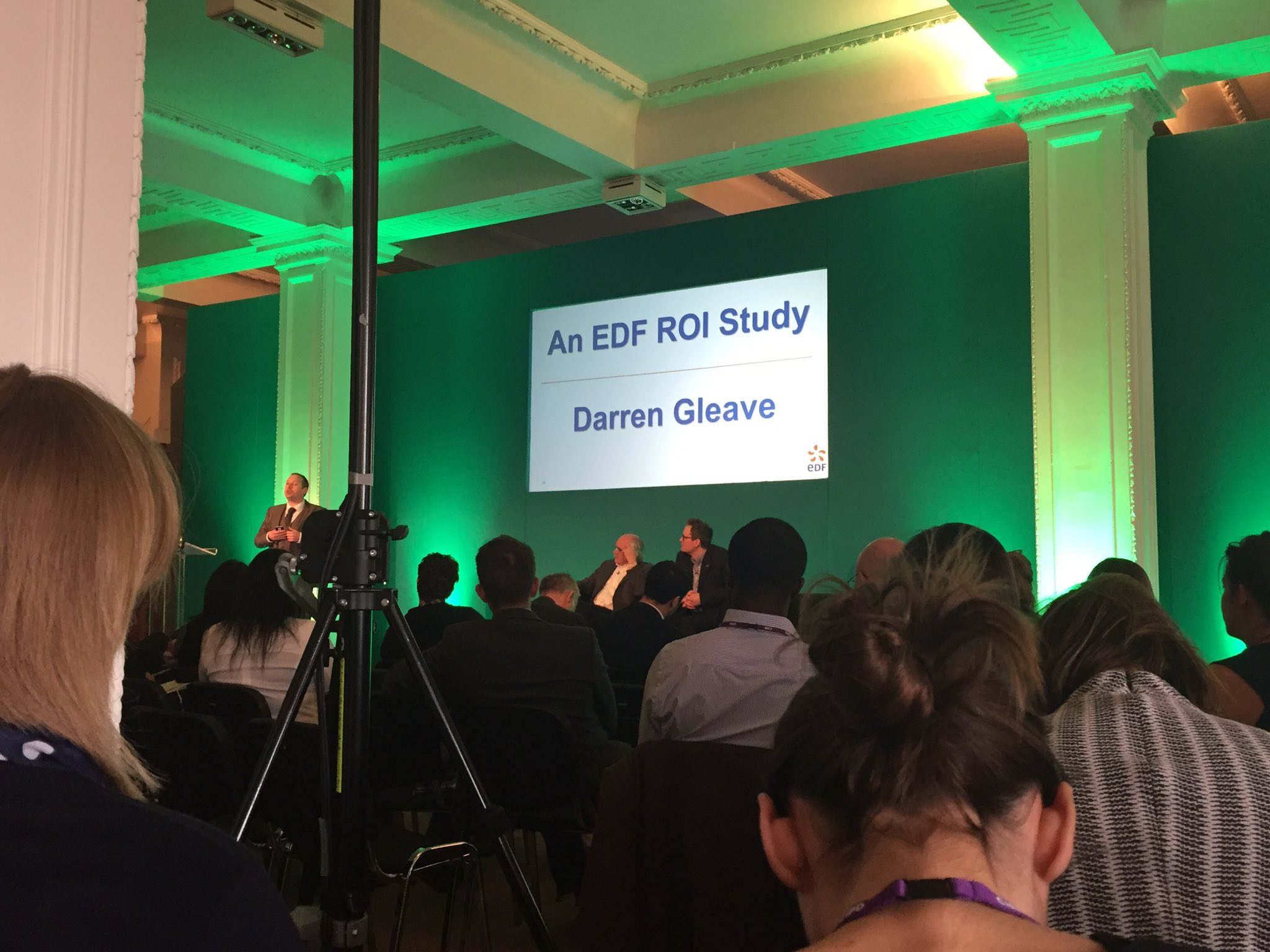 Now hearing a case study from EDF using the approach Jack just shared with us #CipdLDshow #f1 https://t.co/YF3fVmkenO