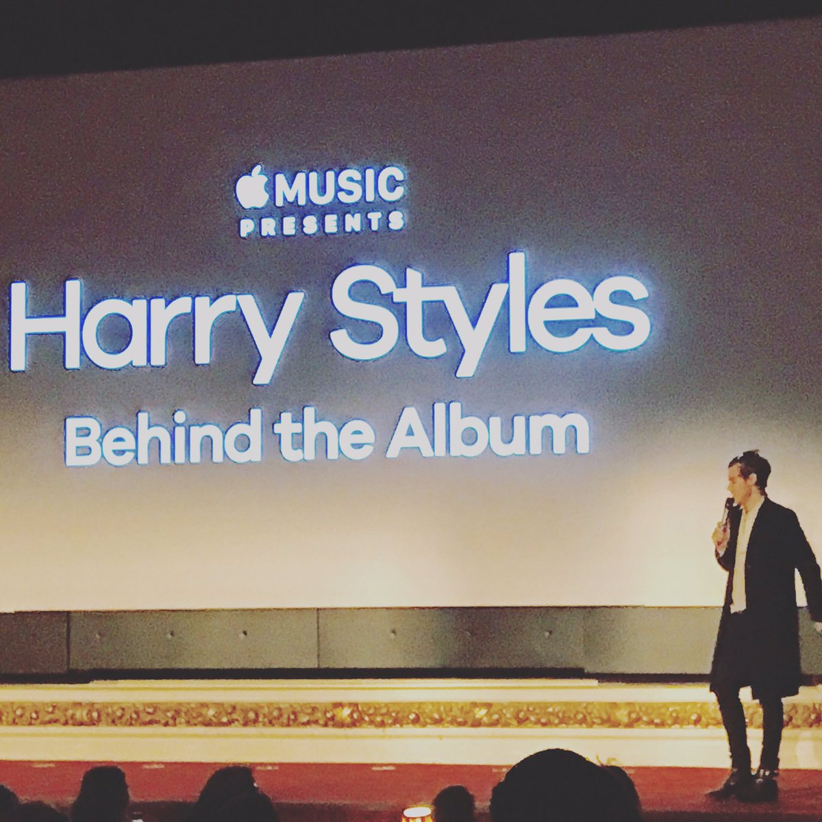 Lovely @Harry_Styles film from those cunning dudes at @Fulwell73. On @AppleMusic from Monday. Look out for Mitch... https://t.co/AUnDy78vbb