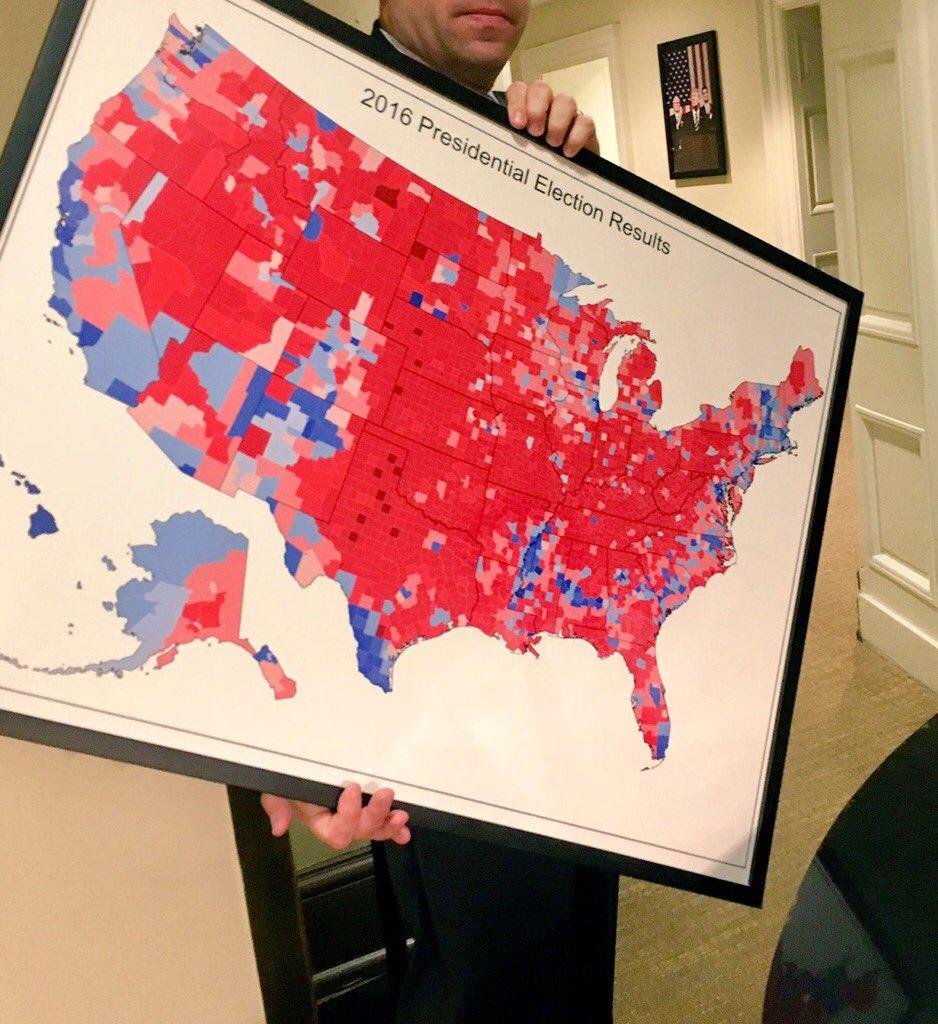 rdeča predstavlja geografsko zmago Trumpa