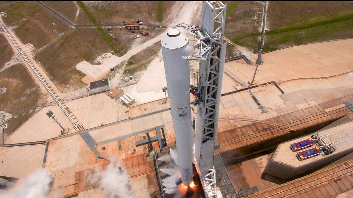 SpaceX successfully launches commercial satellite